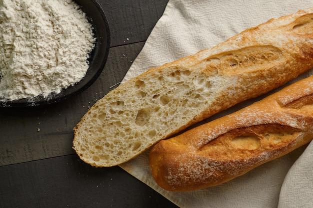 Pain baguette à la farine