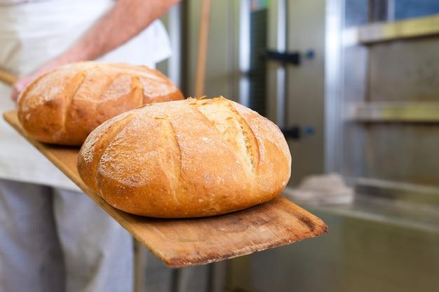 Pain boulanger mâle