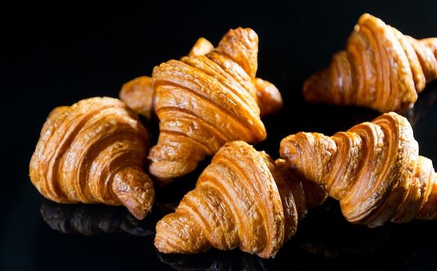 Pain croissant, dessert pâtisserie, nourriture
