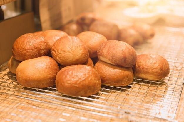 Pain cuit au four bun recettes de boulangerie savoureux faits maison.