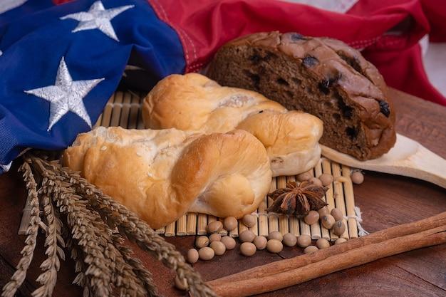 Pain et drapeau américain