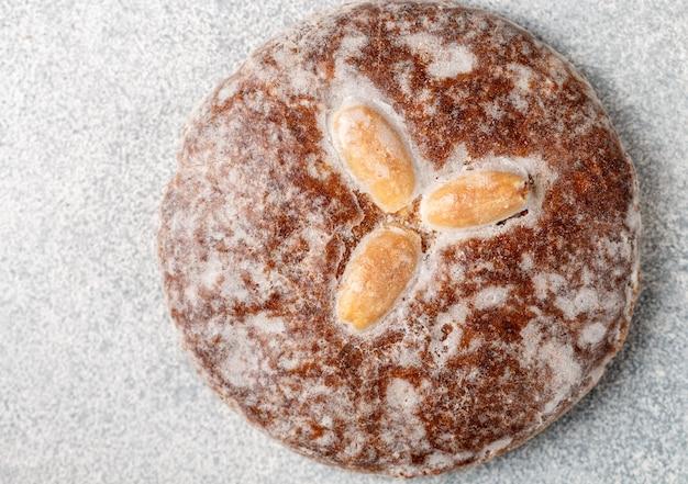 Pain d'épice aux noix de nuremberg