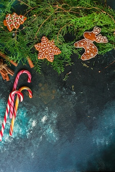 Pain d'épice. cadeaux et vacances, noël bonne année