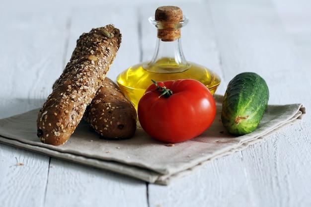 Pain et légumes