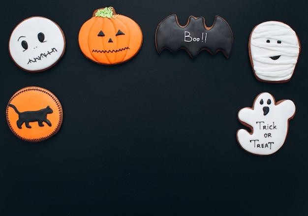 Pains d'épice pour halloween: momie, chauve-souris, citrouille, fantôme, chat noir