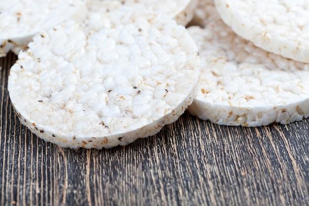 Pains de riz à base de céréales de riz