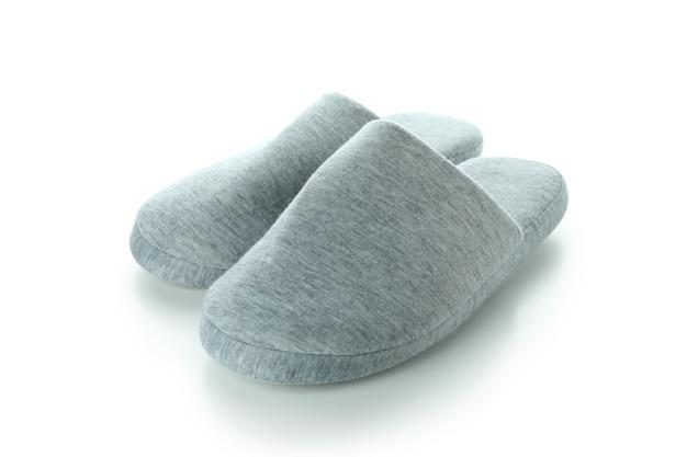 Paire de chaussons isolé sur fond blanc