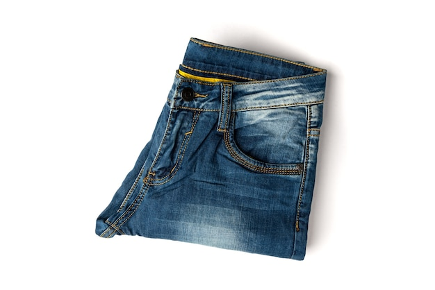 Paire de jeans isolé sur blanc