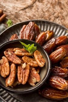Pakistan dates et noix à plat