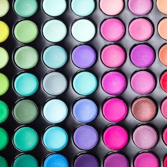 Palette d'ombres à paupières colorées. fond de maquillage