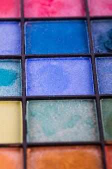 Palette d'ombres à paupières colorées