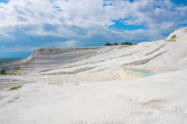 Pamukkale tranvanter piscines à l'ancienne hierapolis, denizli