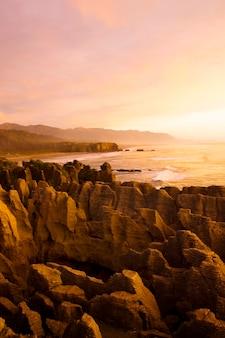 Pancake rocks, punakaiki, île du sud, nouvelle-zélande.