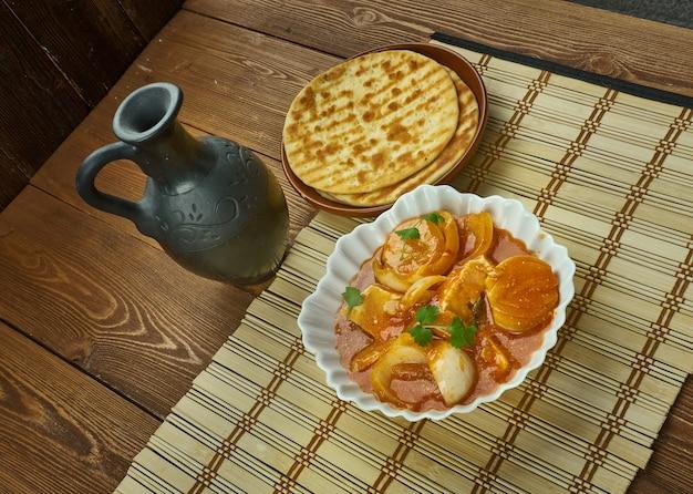 Paneer do pyaza - recette de curry semi-sec de style punjabi.