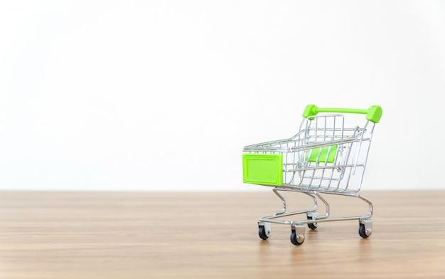 Panier d'achat en ligne vente de commodité e-commerce