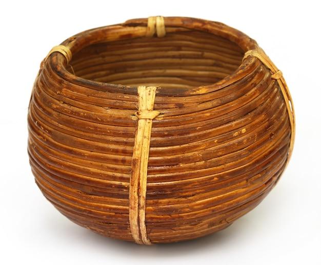 Panier de canne traditionnel d'asie du sud
