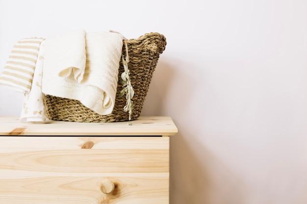 Panier avec couvertures