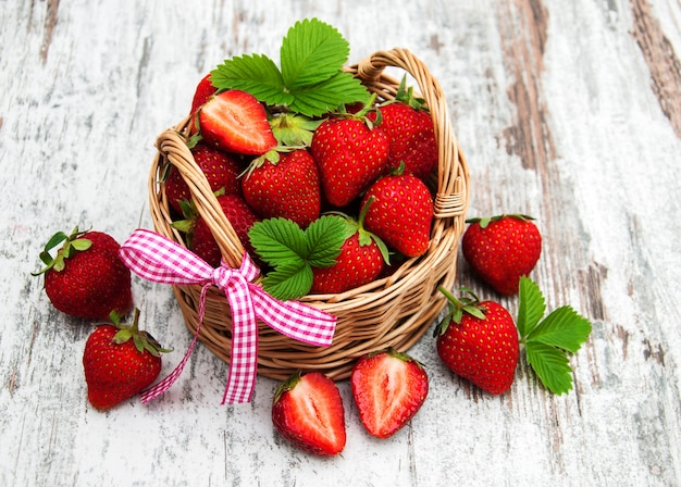 Panier de fraises fraîches