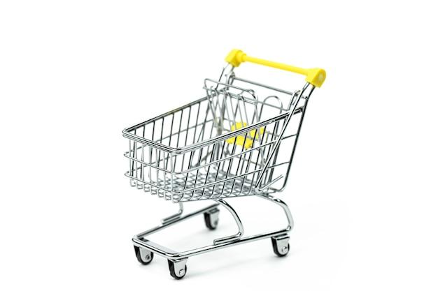 Panier de supermarché vide - symbole de la consommation, société de consommation