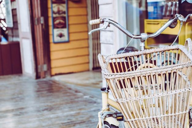 Panier de vieux vélo