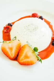 Panna cotta à la fraise et au rasberry