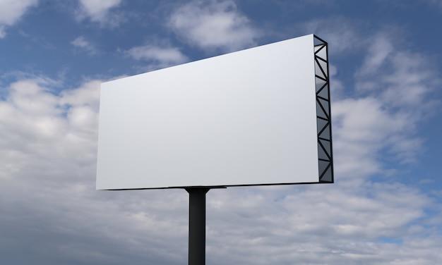 Panneau d'affichage unipolaire sur ciel bleu avec des nuages