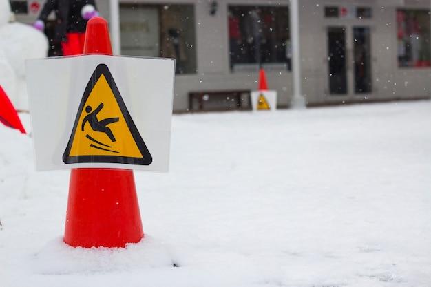 Panneau d'avertissement neige