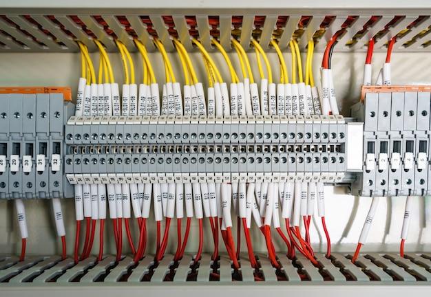 Panneau de commande de câblage de plc avec l'usine industrielle de fils