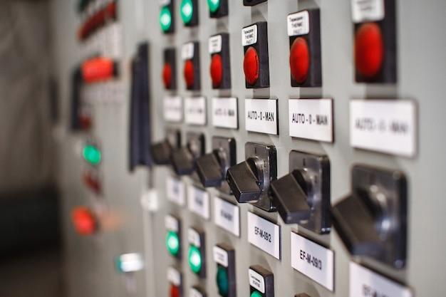 Panneau de commande des unités de contrôle de la température, mise au point sélective.