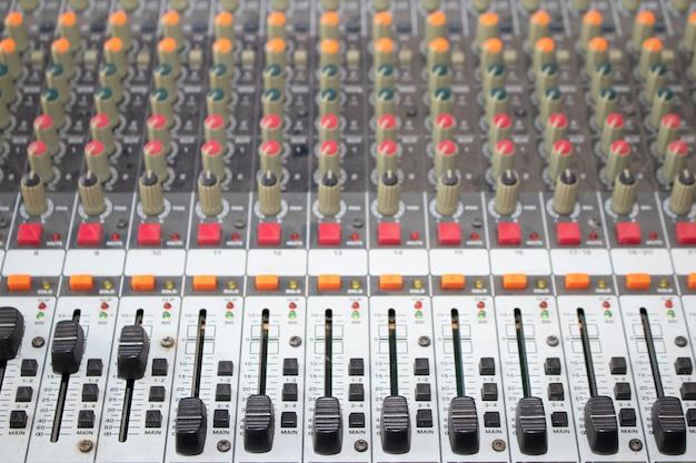 Panneau de contrôle audio.
