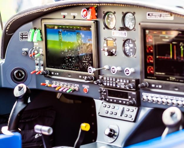 Panneau de contrôle d'avion