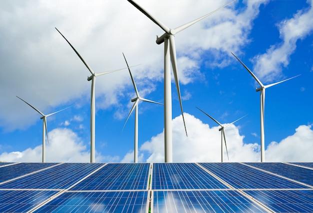 Panneaux solaires et éoliennes: énergie propre.