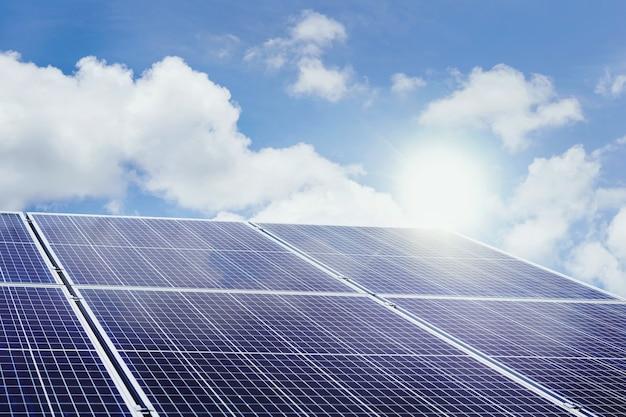 Panneaux solaires photovoltaïques pour les zones reculées que l'électricité ne peut atteindre