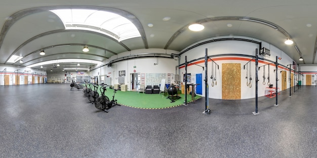 Panorama à 360 degrés d'un intérieur de gym crossfit
