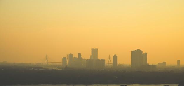 Panorama du coucher de soleil à bangkok
