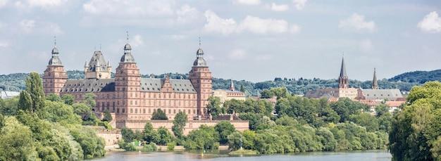 Panorama du palais de johannisburg