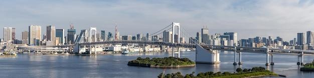 Panorama du pont arc-en-ciel de la tour de tokyo