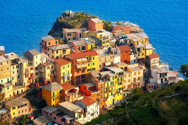 Panorama de manarola, cinque terre, ligurie, italie