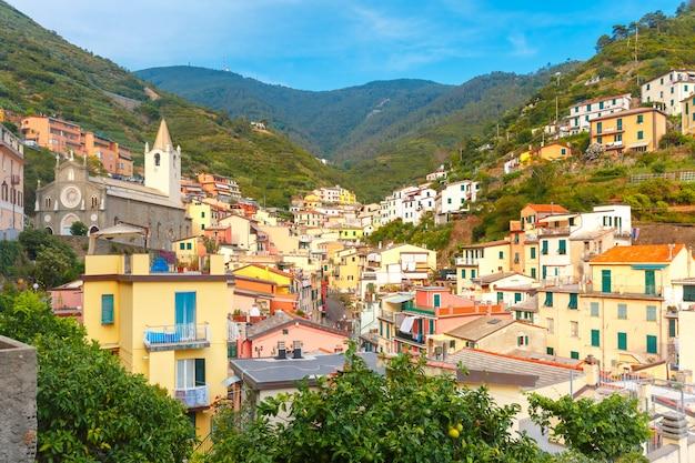Panorama de riomaggiore, cinque terre, ligurie, italie