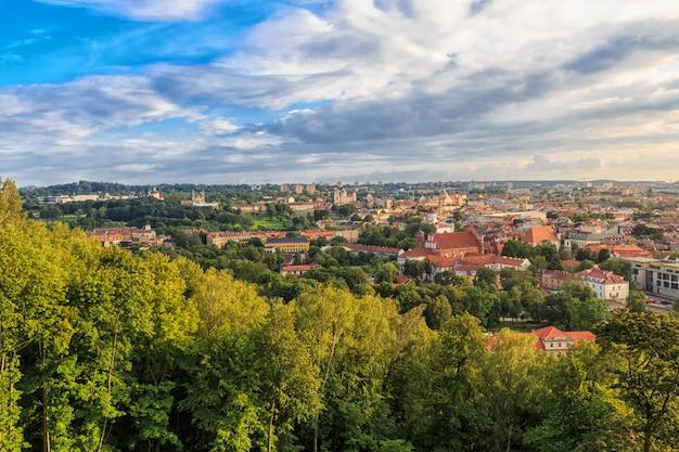 Panorama de la ville. le centre historique de vilnius