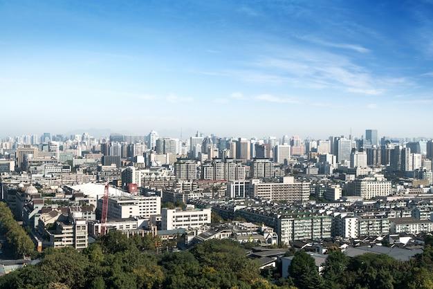 Panorama de la ville moderne à hangzhou, chine