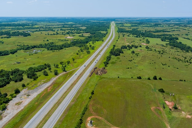 Panorama de la vue aérienne de l'original de l'historique route 66 près de clinton oklahoma