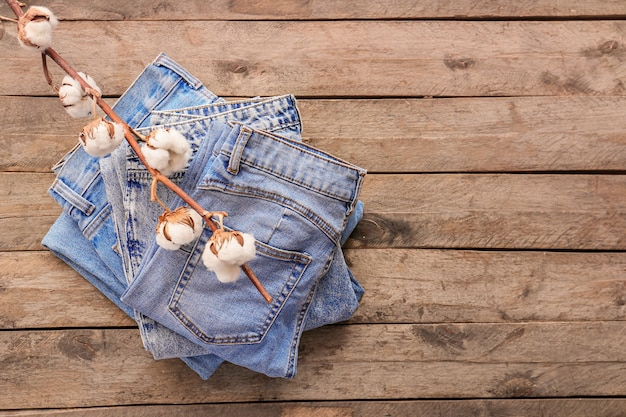 Pantalon en coton sur bois