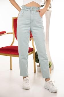 Pantalon femme shoot en studio