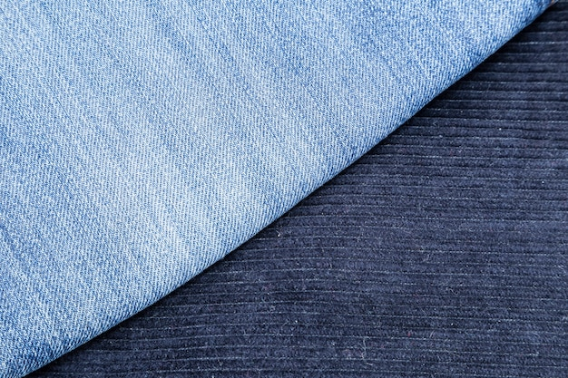Pantalon en velours côtelé et jean bleu