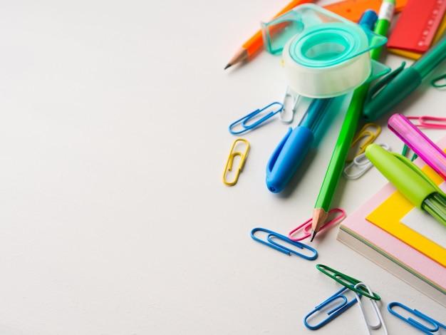 Papeterie école coloré outils d'écriture accessoires stylos