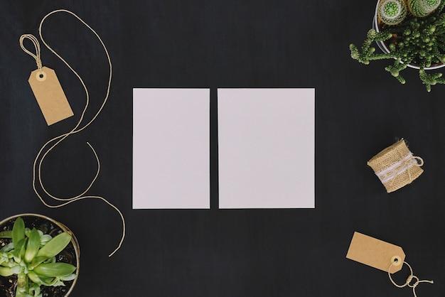 Papeterie florale réglée avec des étiquettes