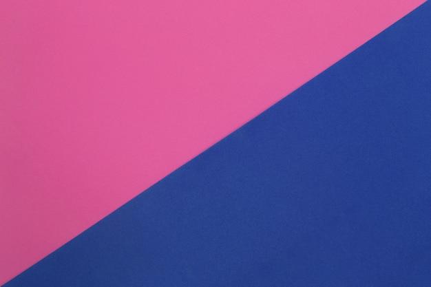 Papier d'art rose et bleu en carton.