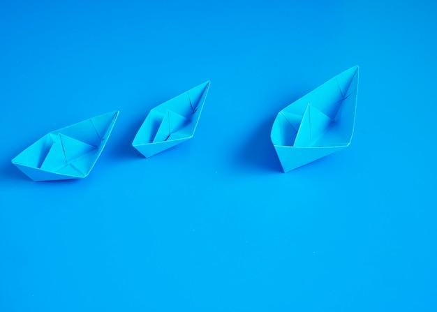 Papier de bateau origami affaires monopole