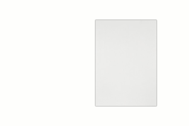 Papier blanc isolé sur fond blanc. rendu 3d